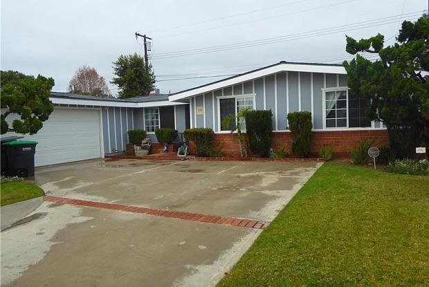 308 Walnut Street - 308 Walnut Street, Costa Mesa, CA 92627