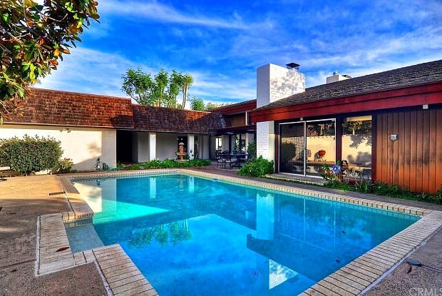 481 Dartmoor Street - 481 Dartmoor Street, Laguna Beach, CA 92651