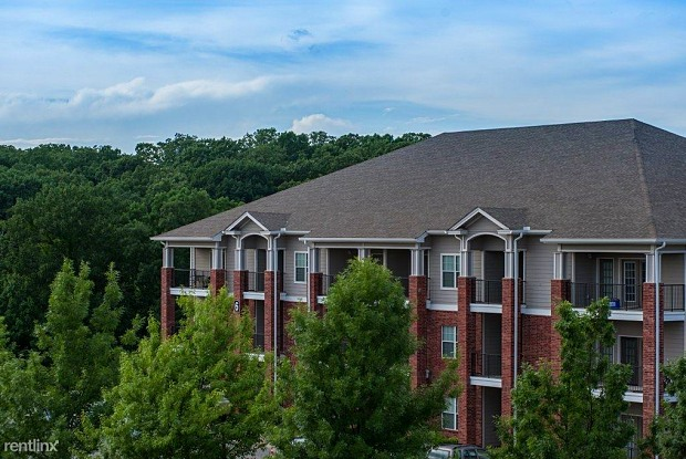 Foothills - 2401 Lakeview Rd, North Little Rock, AR 72116
