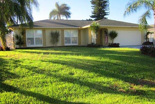 1128 SE 32nd ST - 1128 Southeast 32nd Street, Cape Coral, FL 33904