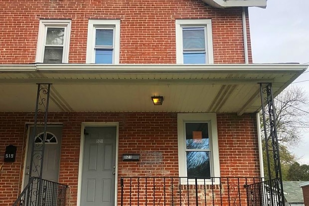 521 E Broadway Ave - 521 East Broadway Avenue, Clifton Heights, PA 19018