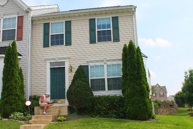 211 Browwood Rd - 211 Brownwood Rd, Reisterstown, MD 21136