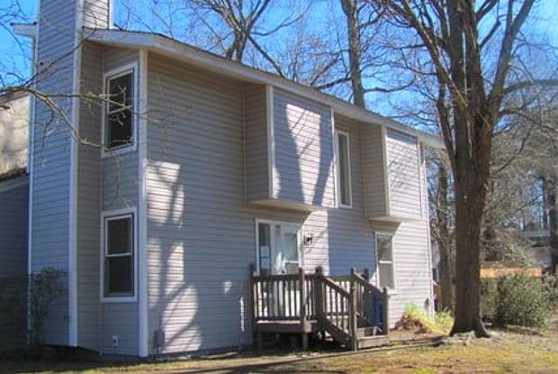 837 Pine View Ln - 837 Pine View Lane, Chesapeake, VA 23320