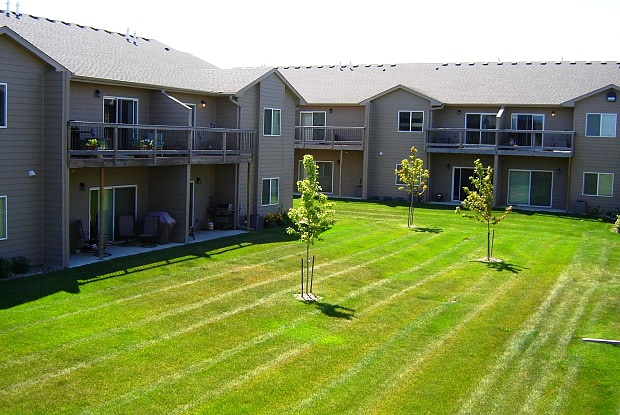 Washington Heights Townhomes - 4708 E. 6th St, Sioux Falls, SD 57110