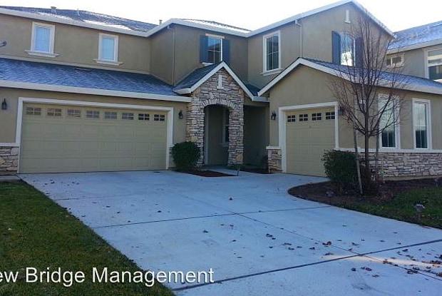 348 Anemone Court - 348 Anemone Court, Patterson, CA 95363