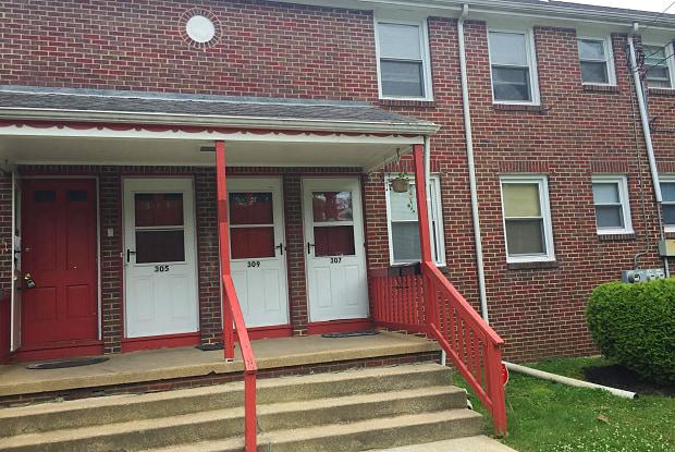 209 S WARNER STREET S - 209 S Warner St, Woodbury, NJ 08096