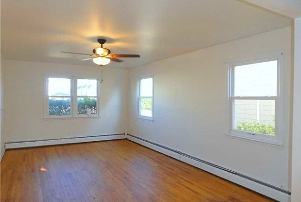 538 E Walnut - 538 East Walnut Street, Long Beach, NY 11561