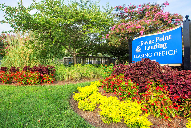Towne Point Landing - 3802 Towne Point Rd, Portsmouth, VA 23703