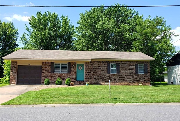501 SE 10th ST - 501 Southeast 10th Street, Bentonville, AR 72712