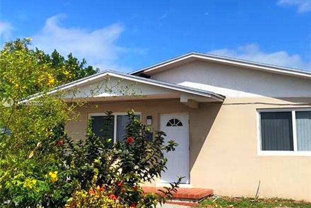 2837 SW 38 CT - 2837 SW 38th Ct, Miami, FL 33134