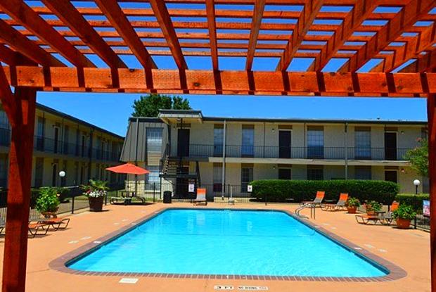 Century Plaza - 3300 E Rancier Ave, Killeen, TX 76543
