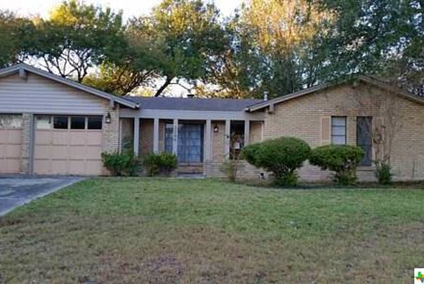 1704 Willow Lane - 1704 Willow Lane, Seguin, TX 78155