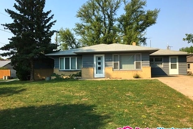 104 3rd Avenue South West - 104 3rd Avenue Northwest, Towner, ND 58788