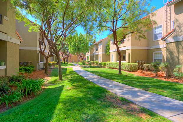 Ridgewood Village - 12435 Heatherton Ct, San Diego, CA 92128