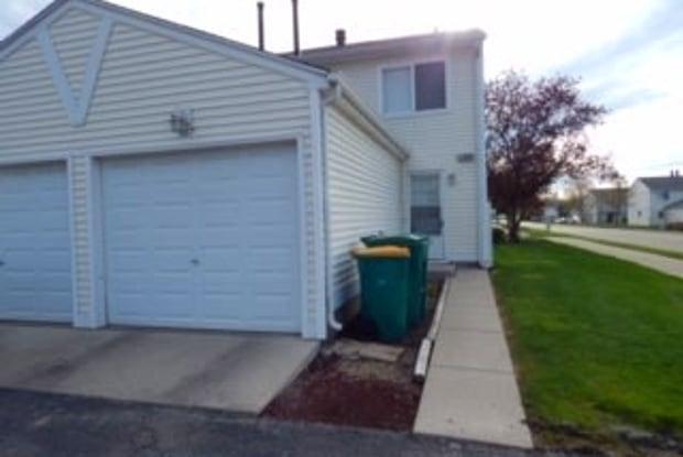 367 MEADOW GREEN Lane - 367 Meadow Green Ln, Round Lake Beach, IL 60073