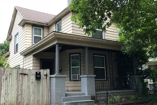 939 Tamarack Ave Nw 1 Grand Rapids Mi Apartments For Rent
