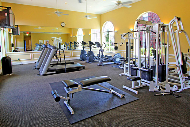 SaddleBrook Apartments - 8301 Colby Pkwy, Urbandale, IA 50322