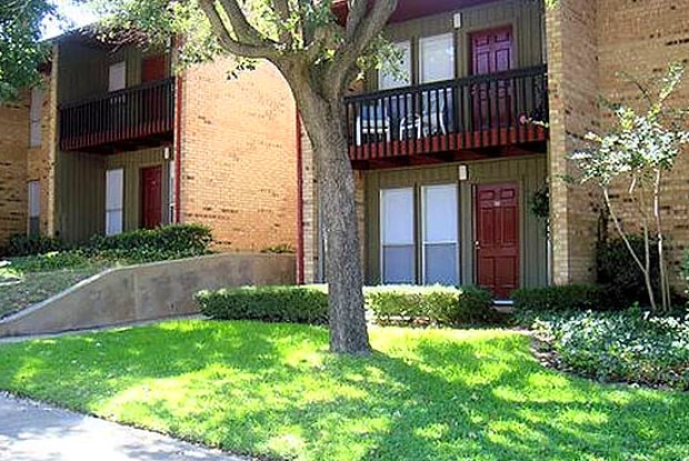 Londonderry Oaks - 1721 Teasley Ln, Denton, TX 76210