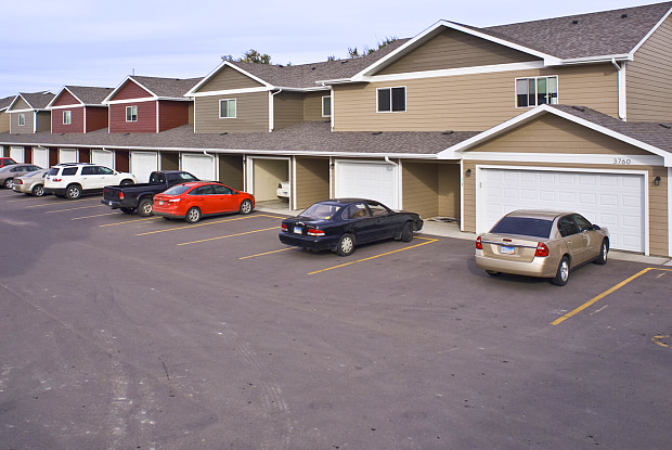 Benson Village Townhomes - 3700 N 4th Ave, Sioux Falls, SD 57104