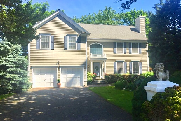 15 Ralsey Road - 15 Ralsey Road, Stamford, CT 06902