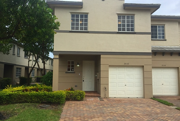 2032 Freeport Ln Apartments For Rent