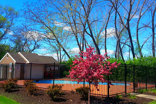 University Villa - 2966 Francis St, Kansas City, KS 66103