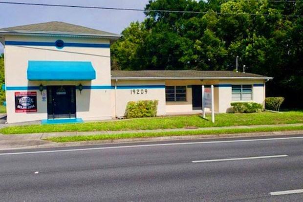 19209 N Us Highway 41 - 19209 Us Route 41, Lutz, FL 33549
