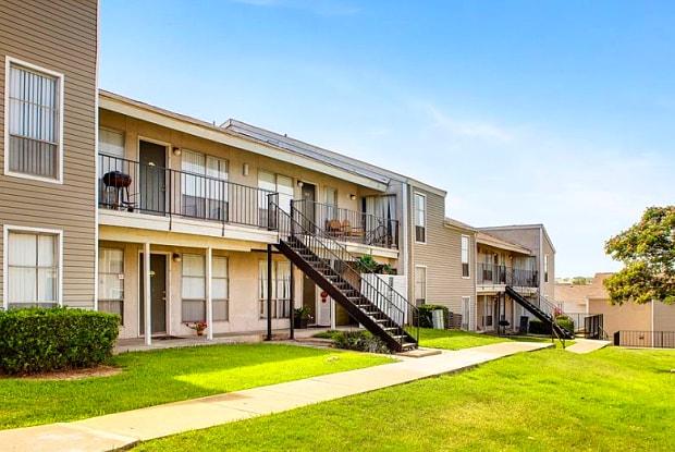 Colinas Ranch - 3203 W Walnut Hill Ln, Irving, TX 75038
