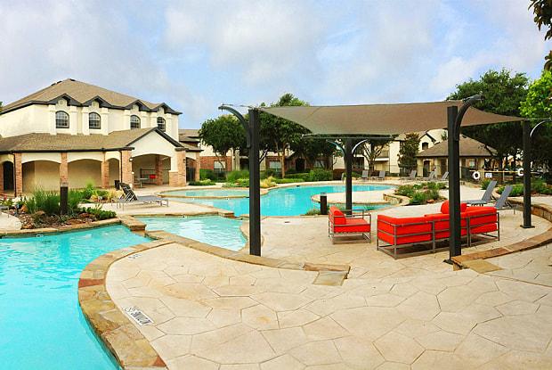 Ladera - 3939 Trinity Mills Rd, Dallas, TX 75287