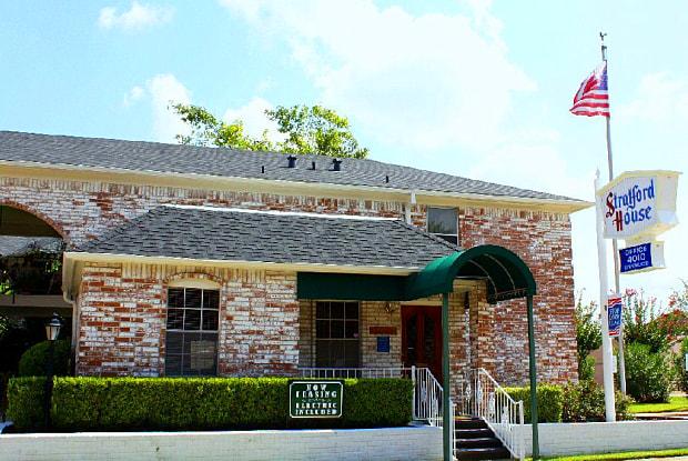Stratford House Apartments - 4010 Linkwood Dr, Houston, TX 77025