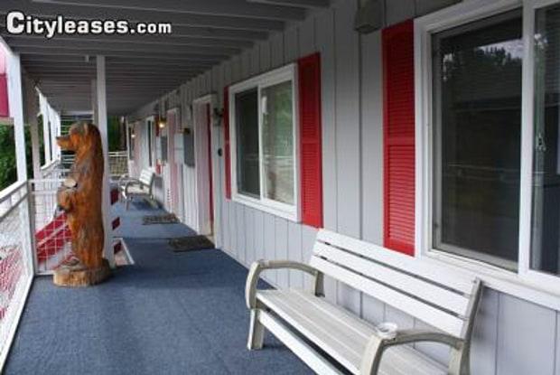 1555 D - 1555 D Street, Anchorage, AK 99501