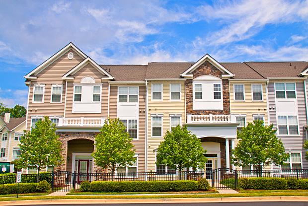 Broadlands Luxury Apartments - 21799 Crescent Park Sq, Broadlands, VA 20148
