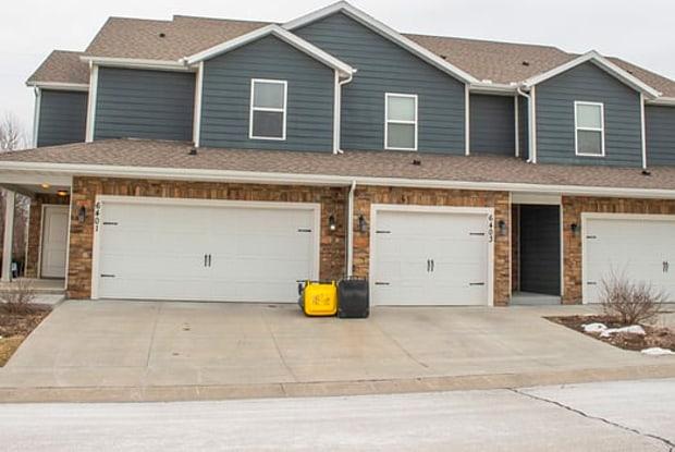 6401 Darnell Street - 6401 Darnell St, Shawnee, KS 66216
