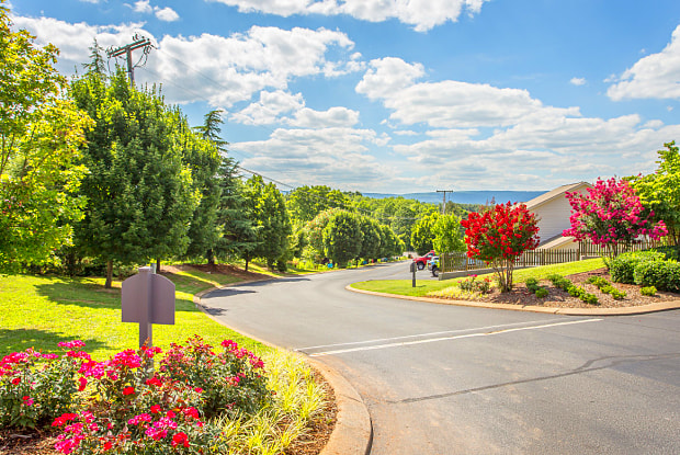 Bluff View at Northside - 6200 Hixson Pike, Chattanooga, TN 37343
