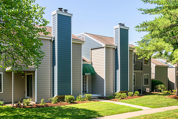 Schoettler Village Apartments - 15480 Elk Ridge Ln, Chesterfield, MO 63017