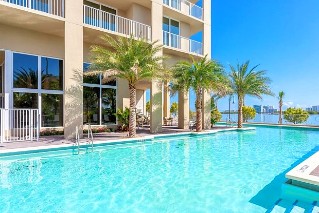 Shorecrest Club - 7950 NE Bayshore Ct, Miami, FL 33138
