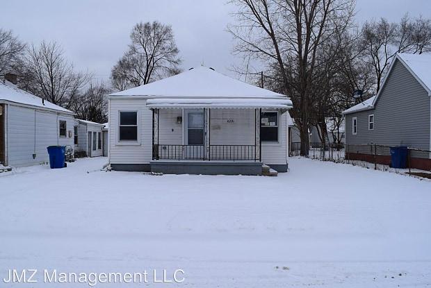 8291 Republic Ave - 8291 Republic Avenue, Warren, MI 48089