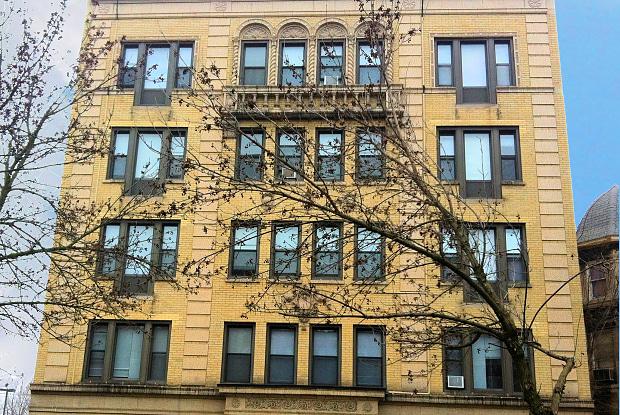 The Victorian - 5326 S Cornell Ave, Chicago, IL 60615