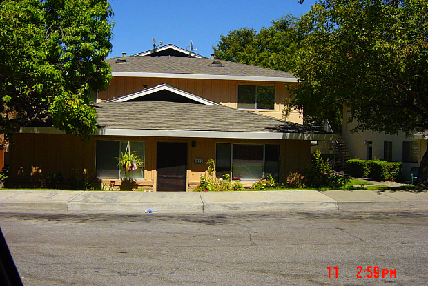 2353 Foothill Rd Apt 4 - 2353 Foothill Road, Pleasanton, CA 94588