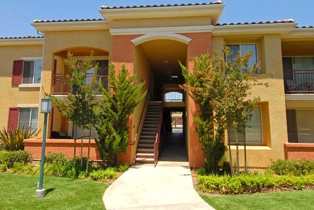 Estancia Riverside - 7871 S Mission Grove Parkway, Riverside, CA 92508