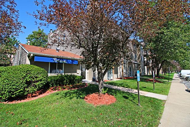 Fox Valley - 3920 N 104th Ct, Omaha, NE 68134