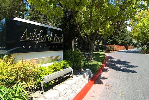 Ashford Park - 132 Fountain Oaks Cir, Sacramento, CA 95831