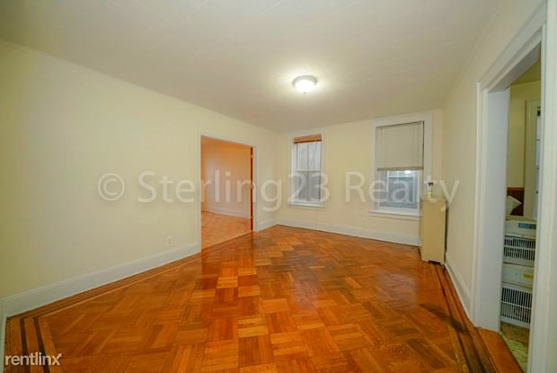 2346 27th St 2 - 2346 27th St, Queens, NY 11105