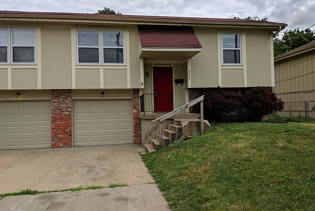 8083 Robinson St. - 8083 Robinson Street, Overland Park, KS 66204