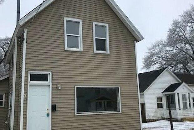 751 Catawba Ave - 751 Catawba Avenue, Muskegon, MI 49442