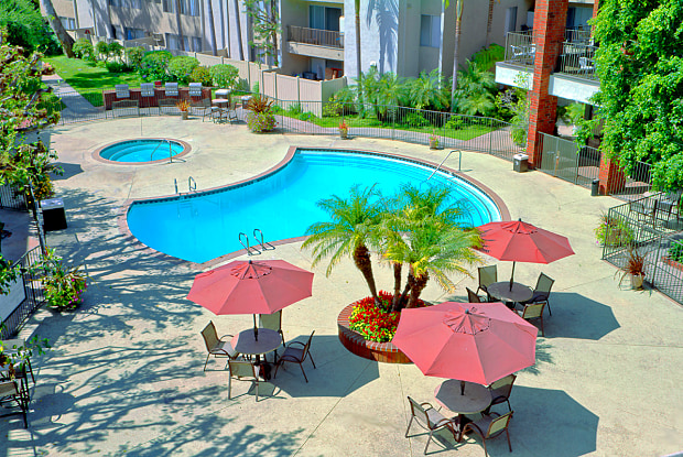 Park Regency Club Apartments - 10000 Imperial Hwy, Downey, CA 90242