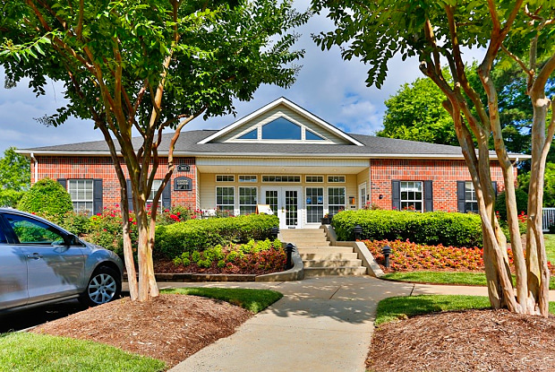 Ashford Place - 905 Pineville Point Ave, Charlotte, NC 28217