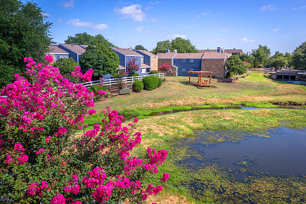 Preserve at Turtle Creek - 2500 Brown Blvd, Arlington, TX 76006