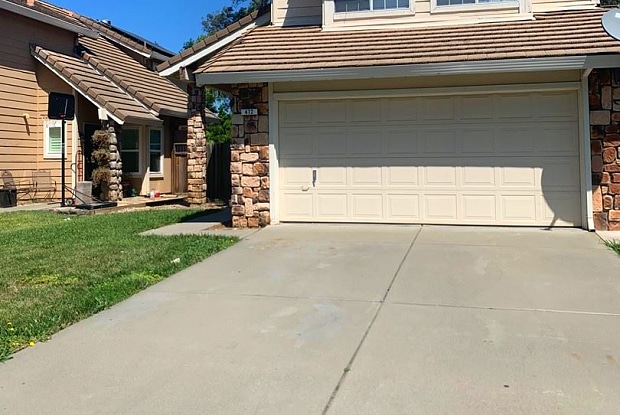 472 Regency Cr - 472 Regency Circle, Vacaville, CA 95687