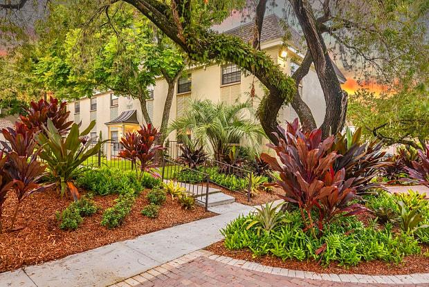 The Flats at Seminole Heights - 4111 N Poplar Ave, Tampa, FL 33603